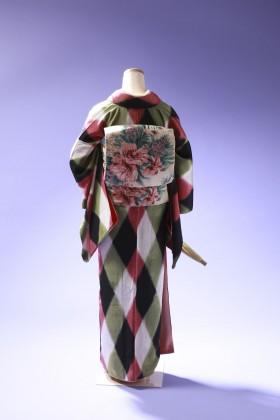 斜め格子の着物